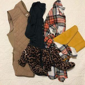 Shoes - Leopard booties